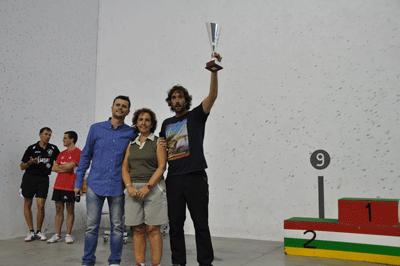 Diego Serra premiado por promocionar el Tenis de Mesa