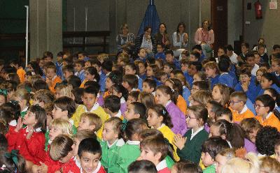 Educación Infantil y Primaria del Colegio Santa Teresa celebran el comienzo de curso