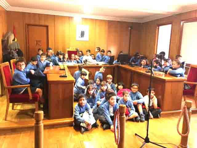 La Milagrosa visita el Juzgado de Calahorra
