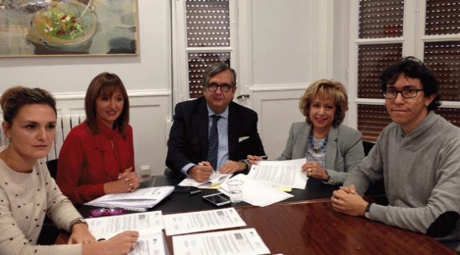 Firma de acuerdo de colaboración para el cumplimiento por parte de menores de prestaciones en beneficio de la comunidad