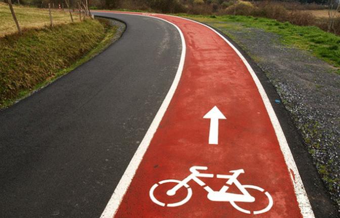 Acondicionamiento del carril bici y peatonal
