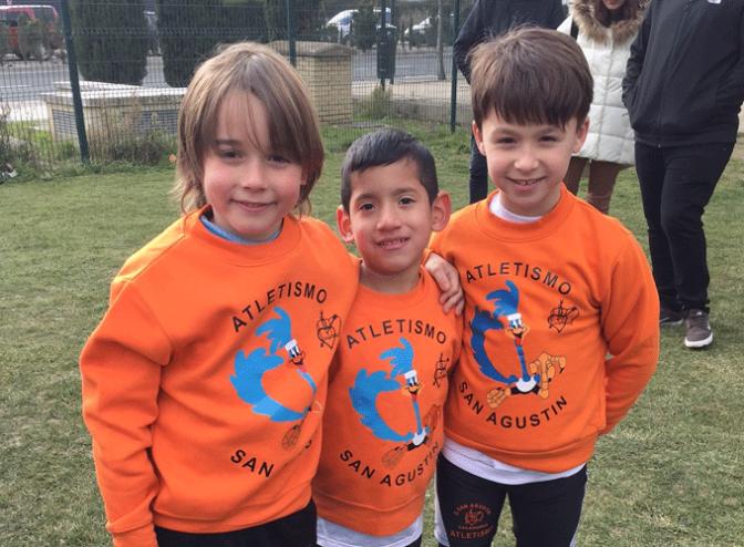 Los atletas de Agustinos primer y tercer premio en el Cross de Haro