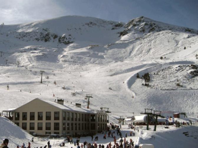 Valdezcaray abrirá mañana para la práctica del esquí con 16 pistas en funcionamiento