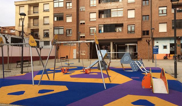 Nuevos juegos infantiles en la plaza Juan Apiñani