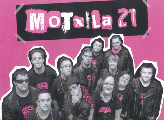"""Diversidad, respeto, amistad, creatividad, rock, música… Personas en el documental """"Motxila 21"""""""