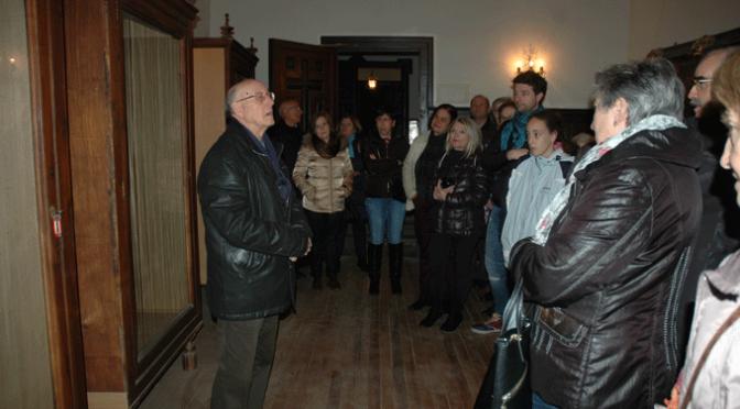 Gran cantidad de público en la visita al Palacio Episcopal
