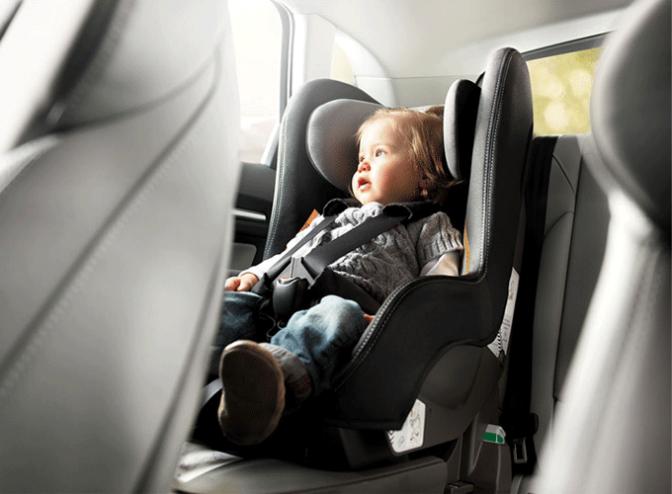 Campaña de tráfico en Navarra del uso del cinturón y sisitemas de retención infantil