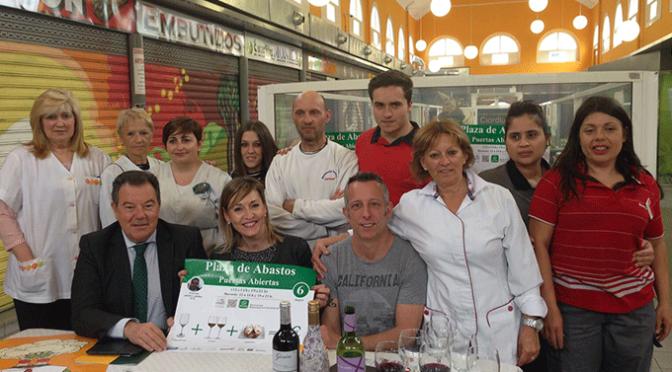 El 6 de mayo la Plaza de Abastos abre sus puertas con degustaciones, cata de vinos, espectáculo de magia y globoflexia