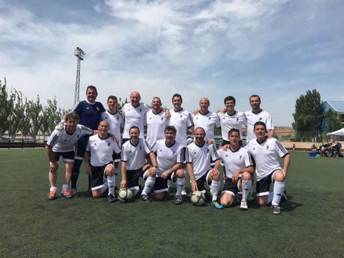 Los futbolistas veteranos de La Rioja recogen más de 1.000 kilos de alimentos para los más necesitados