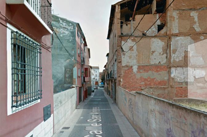 Derrumbe de parte del tejado de un inmueble en el Casco Antiguo de Calahorra