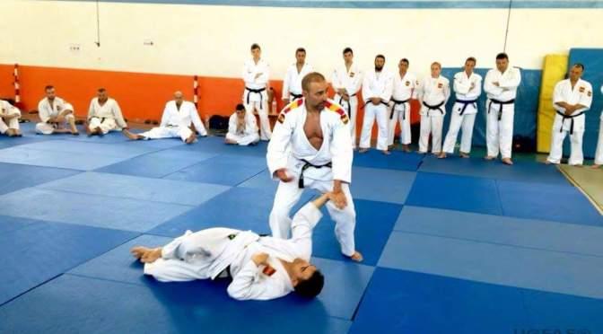 Eduardo Jiménez Blanco forma instructores de Defensa Personal en el Ejercito Español