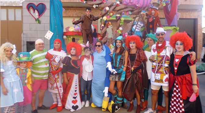 Triunfo de 'Alicia en el país de las Maravillas' en el desfile de carrozas 2017 de Rincón de Soto
