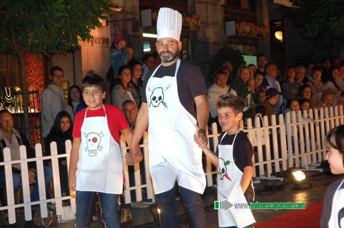 El sábado la calle Mártires se convertió en una pasarela de moda