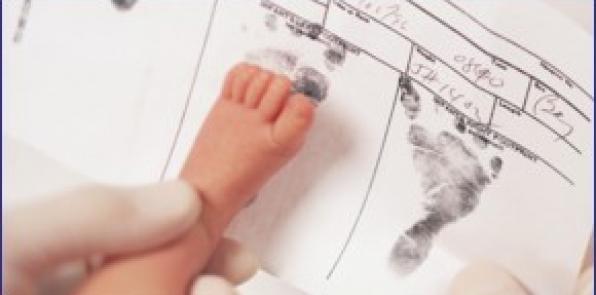 FHC inscribe en el Registro Civil a los bebés de otras poblaciones
