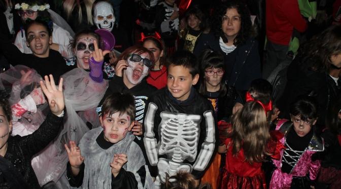 Exitosa Fiesta de Halloween de La Calle 2000