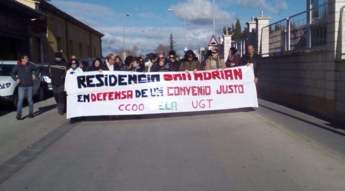 Continuan las protestas de la plantilla de la residencia geriátrica de San Adrián