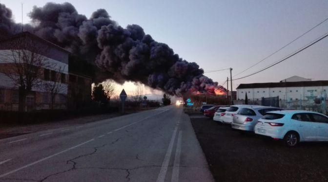 Incendio en un almacén de frutas en Alfaro