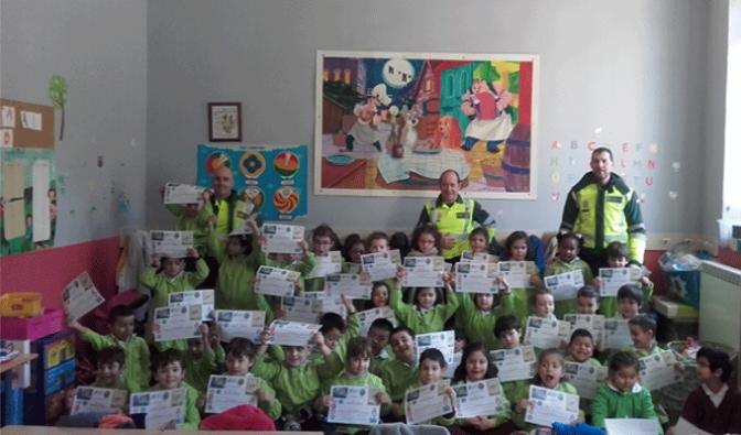 Visita de la Guardia Civil a Agustinos