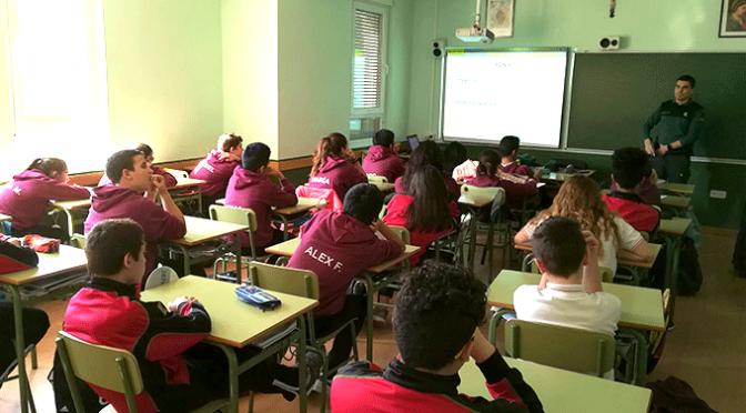 La Guardia Civil imparte una charla a los alumnos Agustinos sobre drogas y alcohol