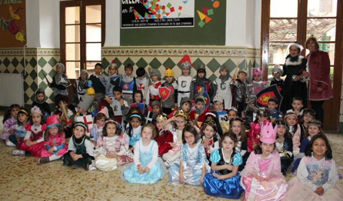 Los más pequeños de Teresianas se disfrazan para celebrar el final de sus proyectos