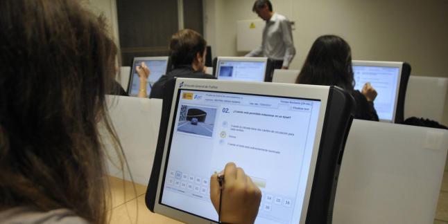 Trece autoescuelas de Calahorra y su entorno eligen Logroño para examinarse de la prueba teórica