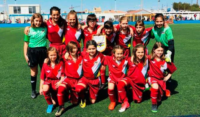 Las pradejoneras Berta Ezquerro y Violeta Zárate en el Campeonato de España de Fútbol Femenino