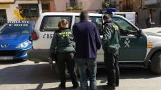 1 - Traslado uno de los detenidos