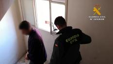 2 - Traslado uno de los detenidos