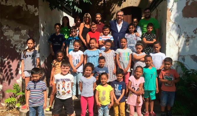 """Treinta y un niños asisten a la ludoteca municipal """"Un verano diferente"""""""
