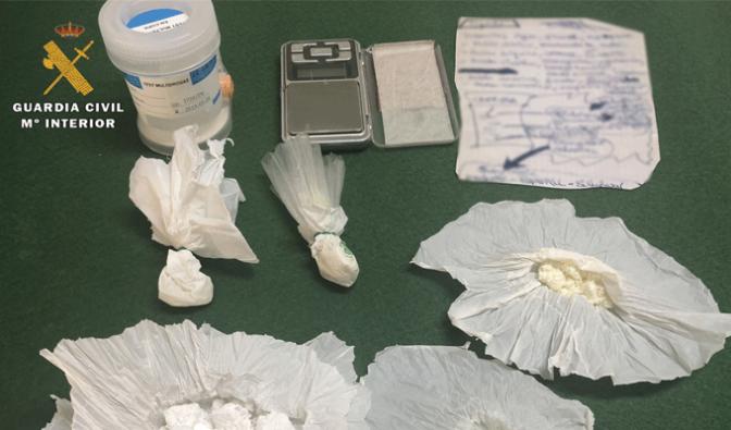 La Guardia Civil detiene a una persona tras una denuncia anónima por tráfico de drogas