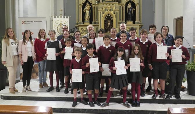 La Universidad de Cambridge entrega los diplomas de inglés a los alumnos de Agustinos