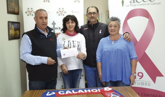 El CD Calahorra dona 400€ a la AECC de Calahorra