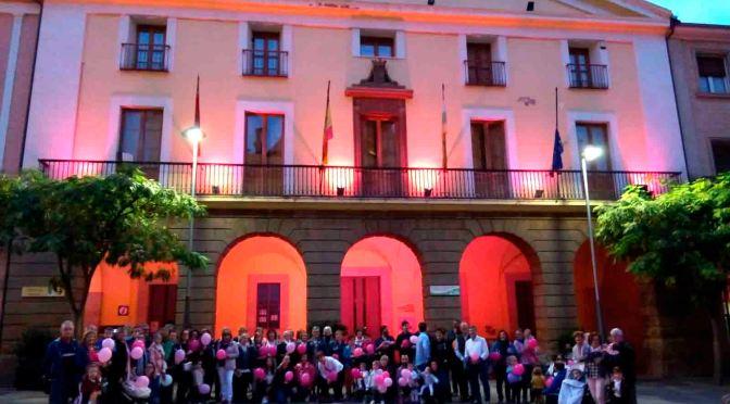 Galeria: Alfaro lució el rosa con motivo del #Diacancerdemama