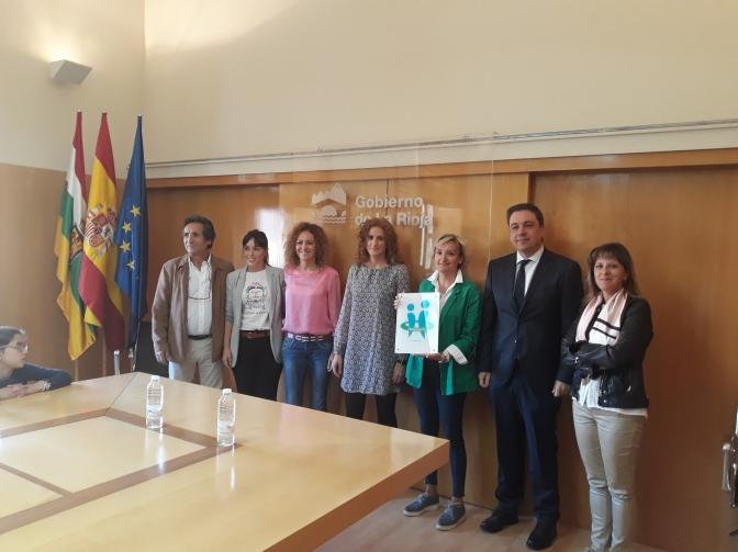 CEO Villa de Autol recibe la placa que lo identifica como centro con Tolerancia Cero al acoso escolar