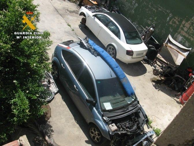 Desmantelados tres talleres mecánicos ilegales en Logroño, Autol y Rincón de Soto
