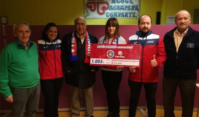 Crianza Rojilla dona 1.003 euros a Cáritas Calahorra