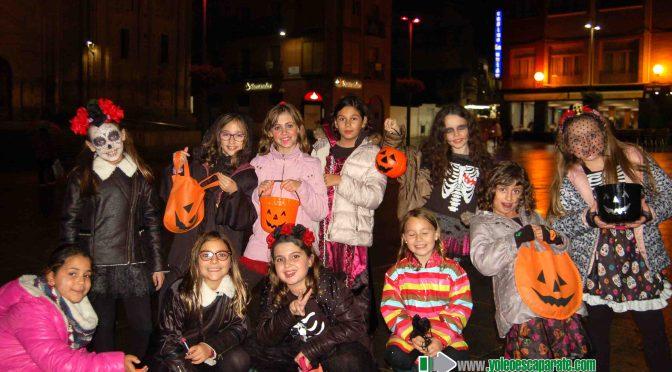 Un Halloween de lo más tenebroso se vivió en las calles de Alfaro