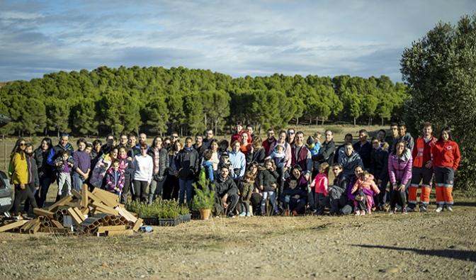 Gracias al CJCC y a más de 70 voluntarios el pantano de Calahorra tiene nuevos árboles