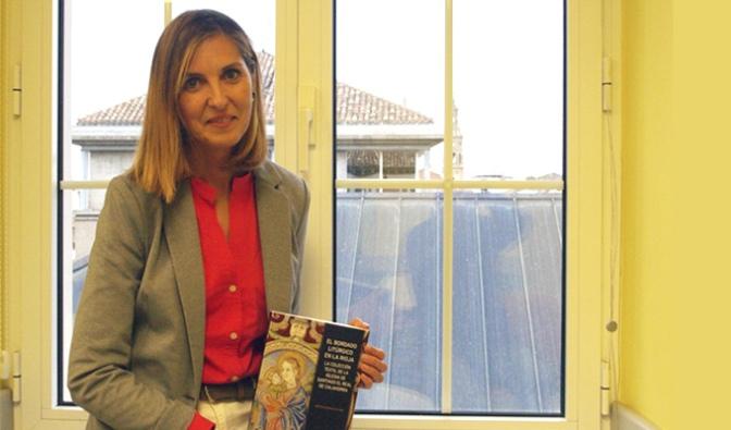 Editado el libro El bordado litúrgico en La Rioja, que firma la calagurritana Cristina Sigüenza Pelarda