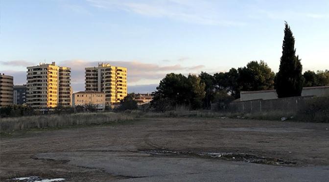 """50 plazas más de aparcamiento junto al Complejo Polideportivo Municipal """"La Planilla"""""""