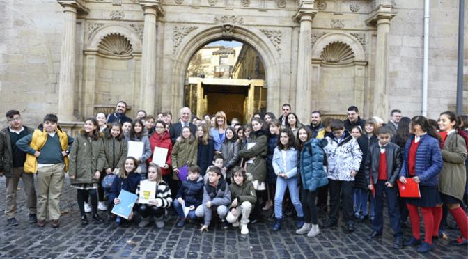Escolares de Calahorra y Alfaro en el Acto conmemorativo del 40º aniversario de la Constitución