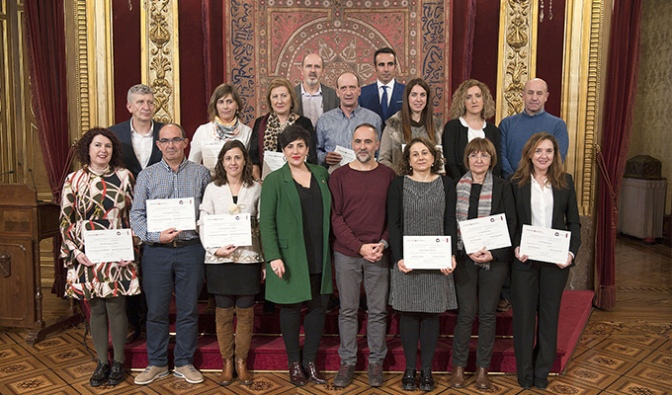 """IESO Reyno de Navarra de Azagra y el CPEIPAlfonso X El Sabio de San Adrián reciben el premio """"Centro de Calidad"""""""