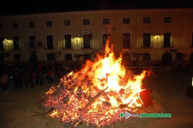 Alfaro iluminó la localidad con sus hogueras por San Antón