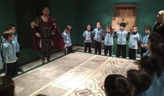 Alumnos del Colegio La Milagrosa visitan el Museo de la Romanización