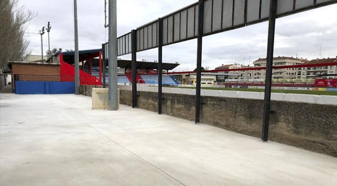 """Finalizan las obras de mejora de la grada lateral, la zona de paso y del aparcamiento interior de """"La Planilla"""""""