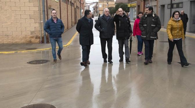 Renovación de redes de abastecimiento de agua y pavimentación en varias calles de Pradejón