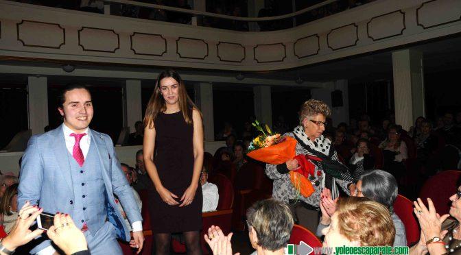 Más de 500 personas abarrotan el Teatro Ideal en el pregón taurino acompañado por la Banda Municipal