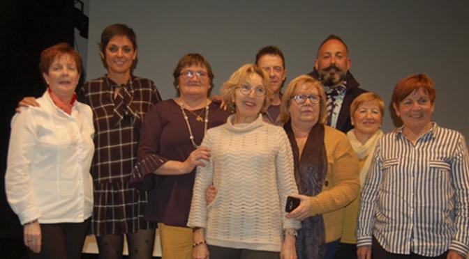 La Asociación de Mujeres Adrianesas y Viceversa entrega el premio del I Certamen de Cartas de Amor, tras su tradicional proyección de cortos
