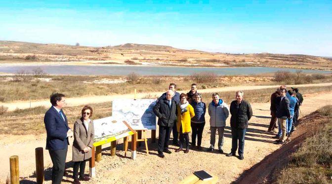 Ceniceros ha visitado en Alfaro la adecuación del humedal del Carrizal de Cofín y las obras de rehabilitación del barrio del Burgo