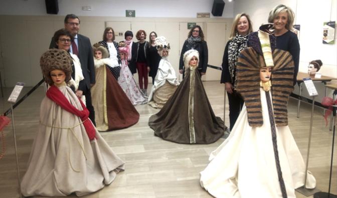 """Inaugurada la II Muestra de """"Estilismo con Verduras"""" creada por el Centro de F. P. """"La Planilla"""""""